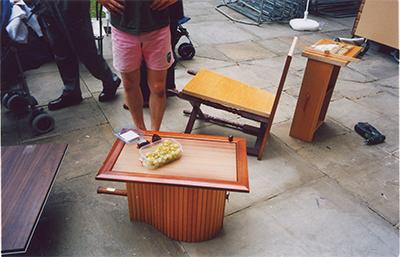 Eddie's FWUW Tennis-table 2001 Wooden roller shutter, tennis racket, door pan 350 × 480 x 320mm, Unique