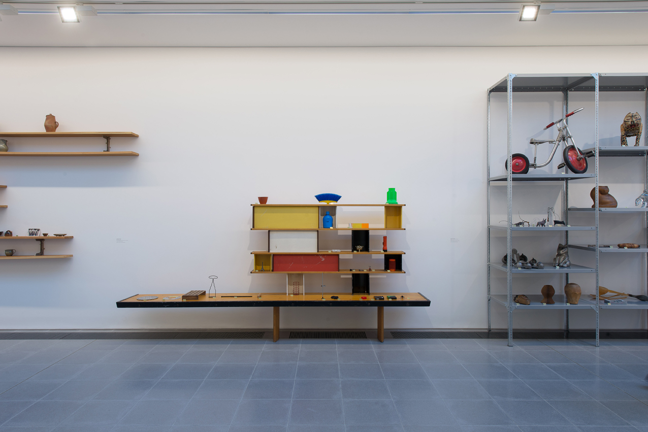 Charlotte Perriand Bibliothèque 1952 Pine, varnished wood, varnished sheet aluminium Courtesy of Nilufar Gallery Objects courtesy of Michael Marriott